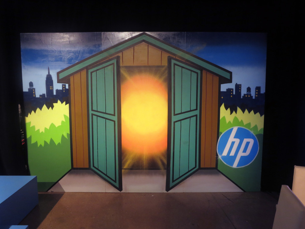 HP Graffiti Art Painted on Scenic Wall Live