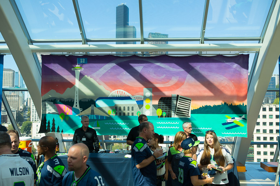 Seattle Graffiti Artist Paints Vulcan Seahawks Artwork