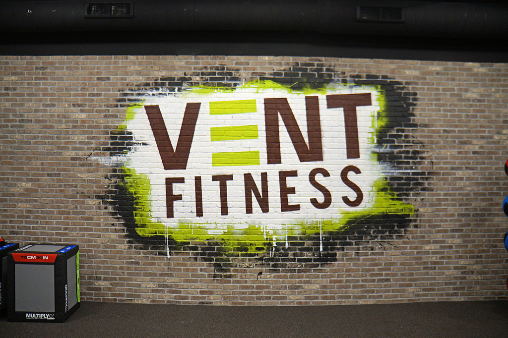 gym mural artist
