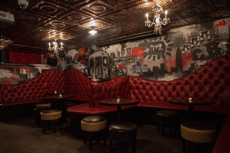 ny street art company   gatsby s bar mural graffiti usa
