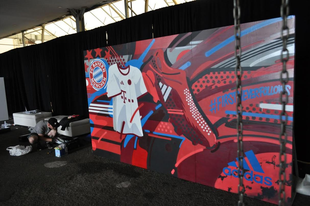 Dramaturgo Requisitos hilo  Branded Mural with Live Graffiti Artwork for Adidas x FC Bayern Munich