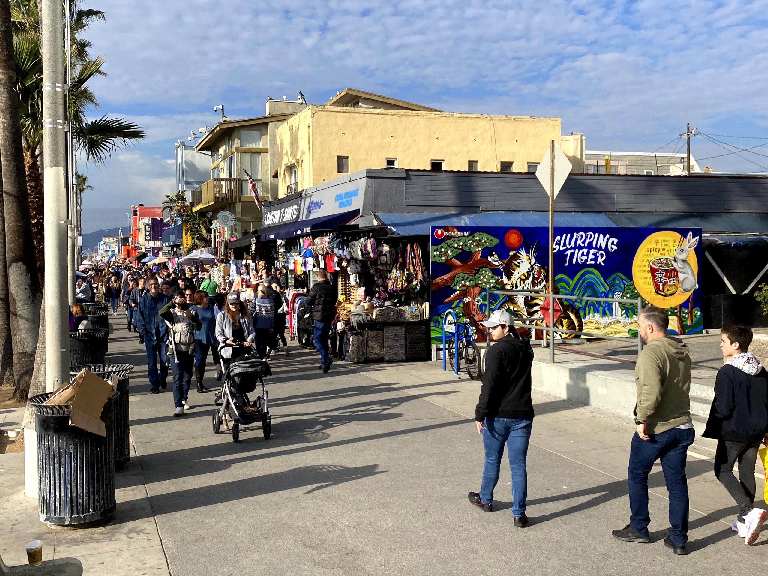 The Crowds of Venice Beach - LA